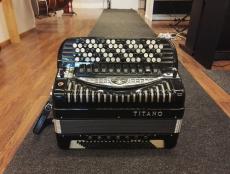 Titano Emperor Cassotto 4-äk harmonikka