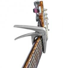 Aroma AC-01 teräskielisen kitaran capo