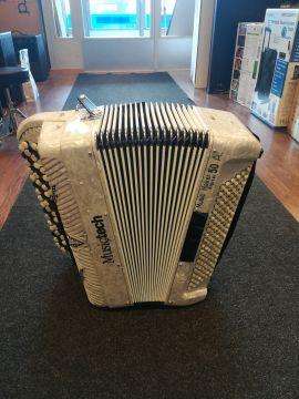 Musictech Music Maker 50A digitaalinen näppäinharmonikka