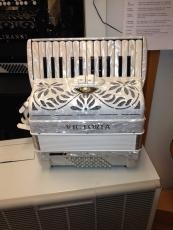 Victoria Super 2-äänikertainen pianoharmonikka