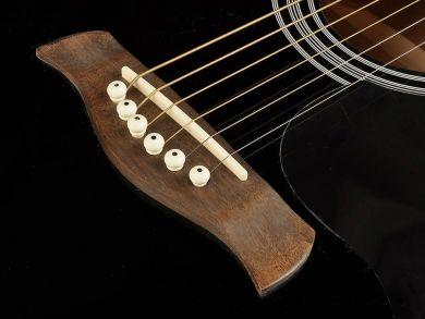 Richwood RA-12BK teräskielinen kitara