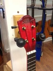 Noir NU-1S redburst ukulele