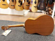 La Mancha Granito Romero Desert Burst nylonkielinen kitara