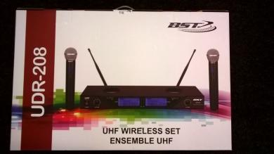 BST Audio UDR-208 ladattava kahden mikrofonin langaton setti